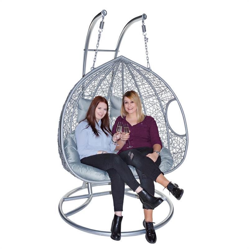 h ngesessel rattan mit gestell zweisitzer polyrattan h ngeschaukel grau silber ebay. Black Bedroom Furniture Sets. Home Design Ideas